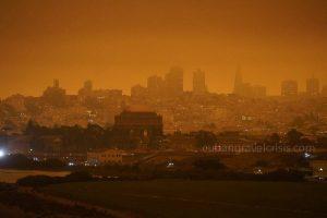 ไฟป่า ก่อให้เกิดมลพิษในสหรัฐอเมริกาฝั่งตะวันตก