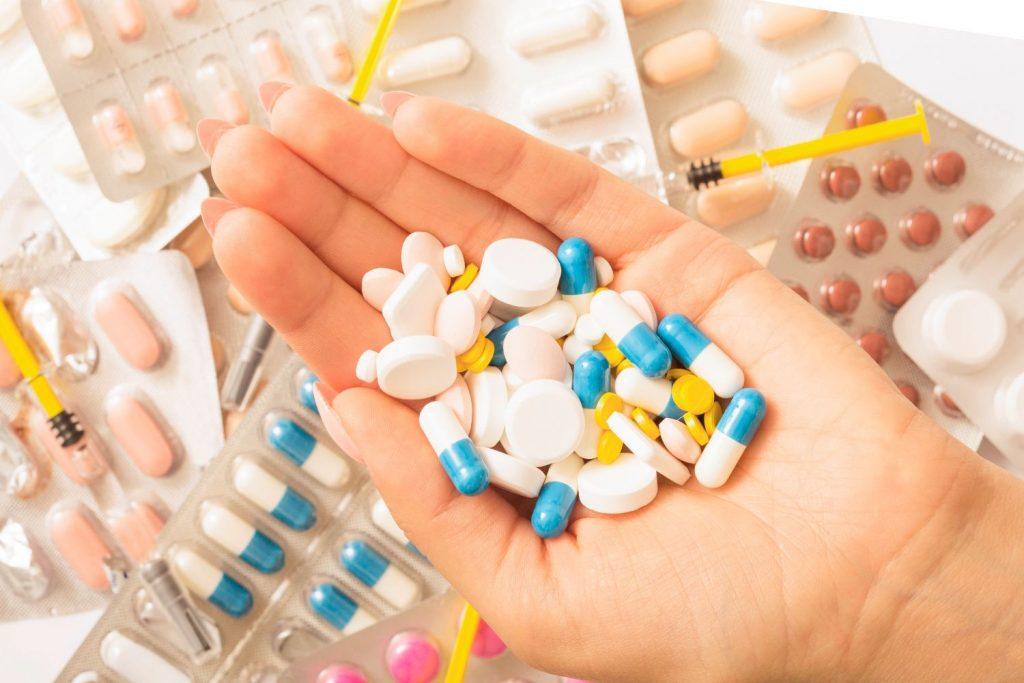 เซอร์เวียร์ โดนปรับ 3.1 ล้านดอลลาร์จากการขายคนกลางซึ่งเป็นยาลดน้ำหนักที่เชื่อมโยงกับผู้เสียชีวิตหลายร้อยคน ผู้ผลิตยาชาวฝรั่งเศสคนหนึ่ง