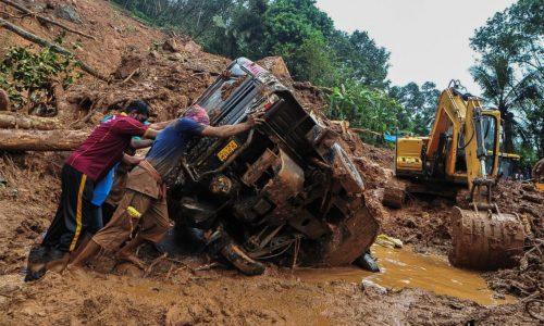 Kerala ในอินเดียดินถล่มน้ำท่วม